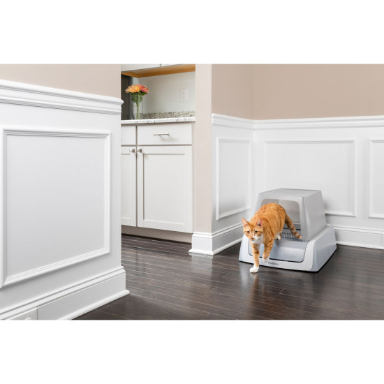 ScoopFree® Covered Self-Cleaning Litter Box, Second Generation